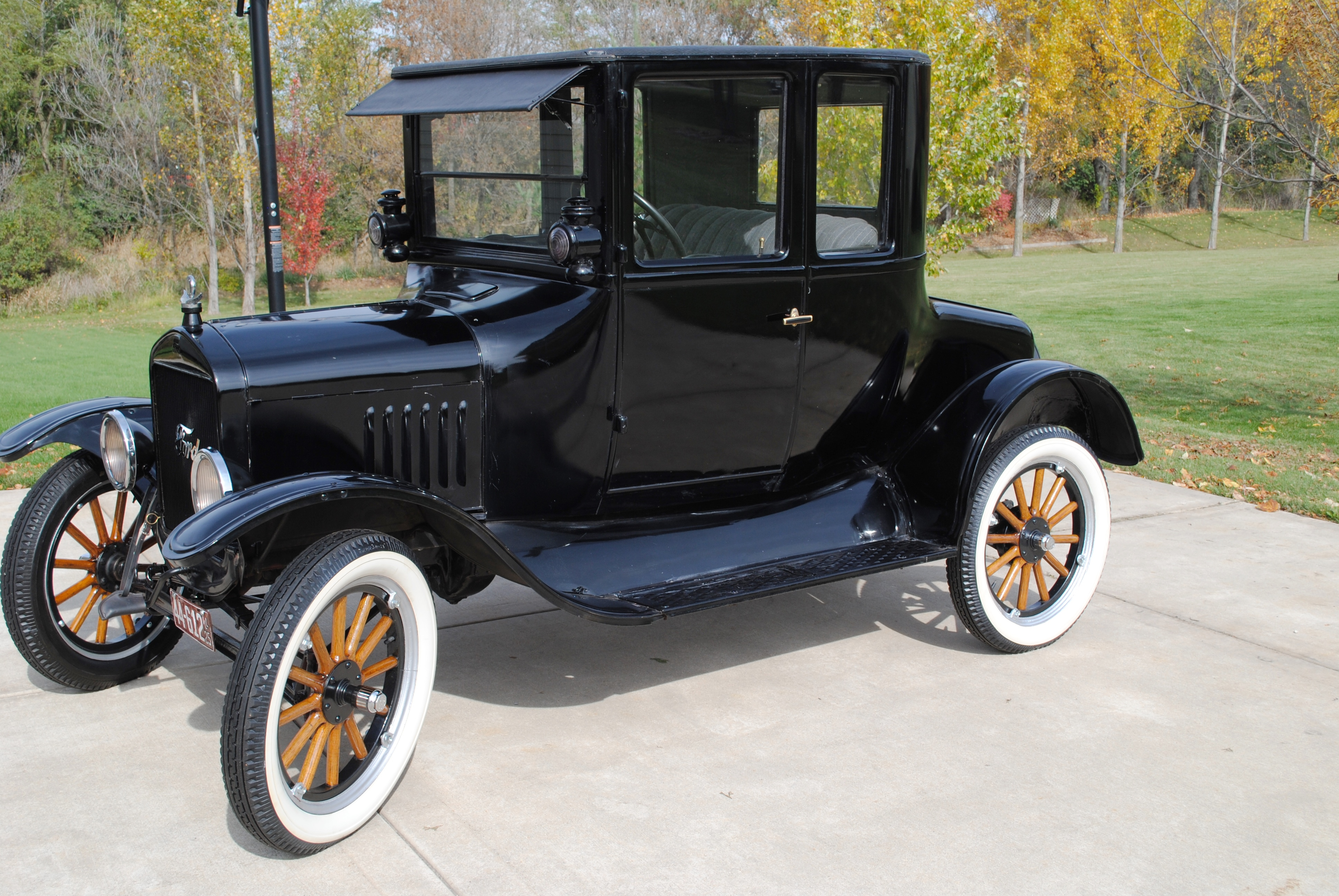 1925 ford model t coupe sold