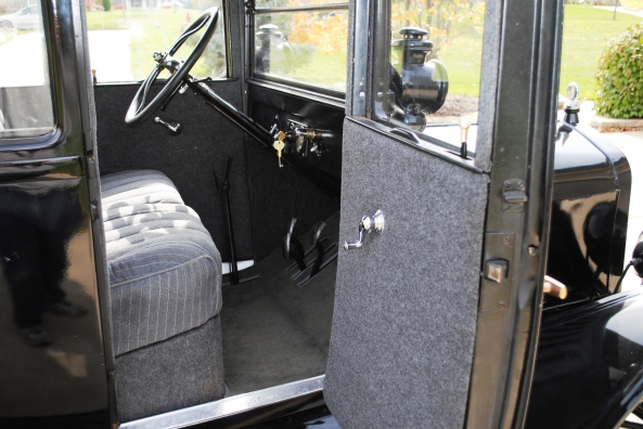 1925 Model T Coupe - eBay photos 031