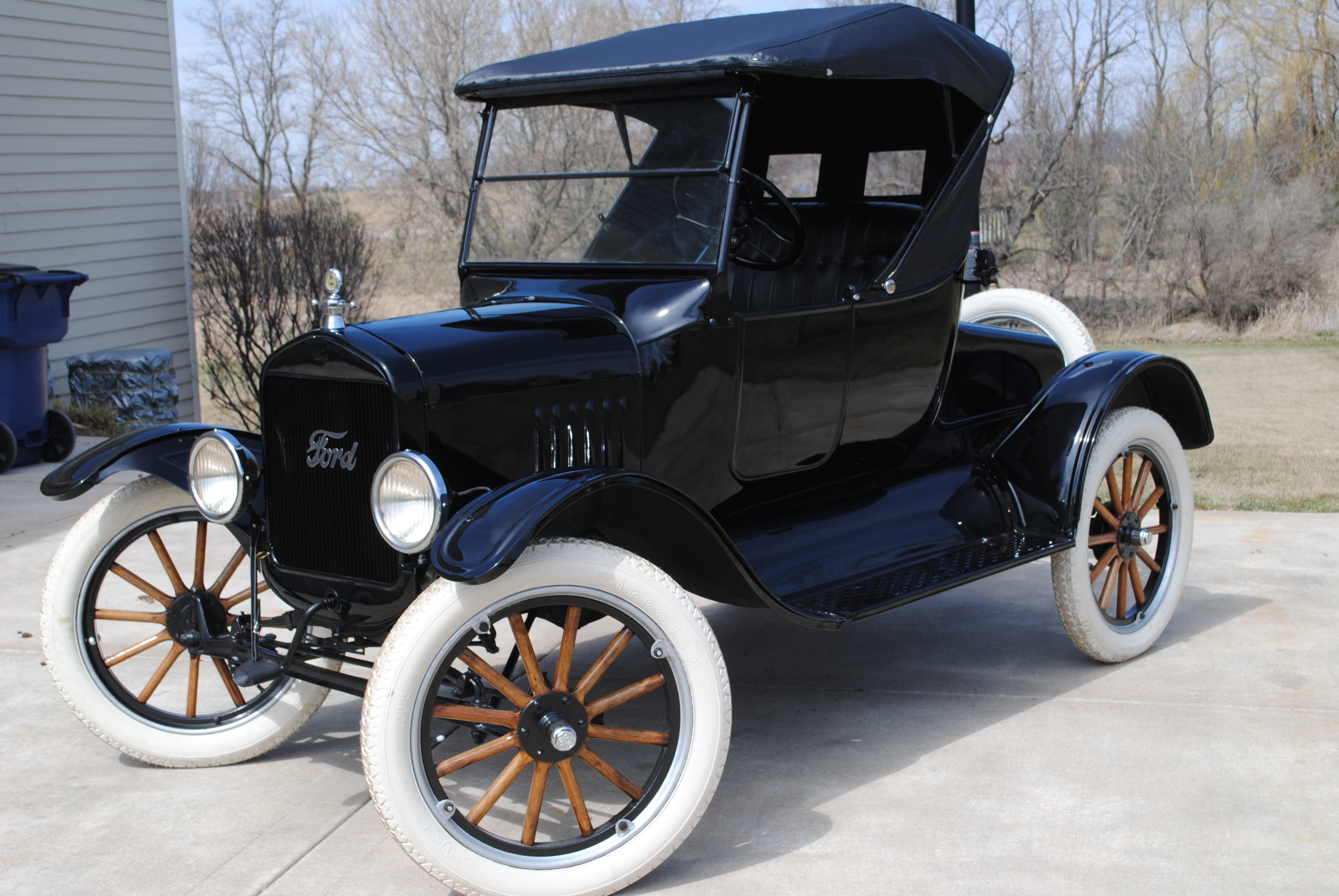 1924 ford model t roadster sold oldmotorsguy com. Black Bedroom Furniture Sets. Home Design Ideas